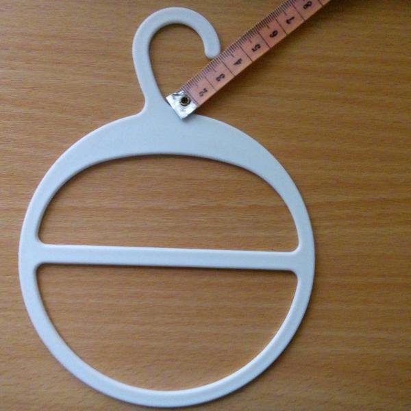 Вешалка для шарфов пластиковая с большим крючком (ВШ-белая)